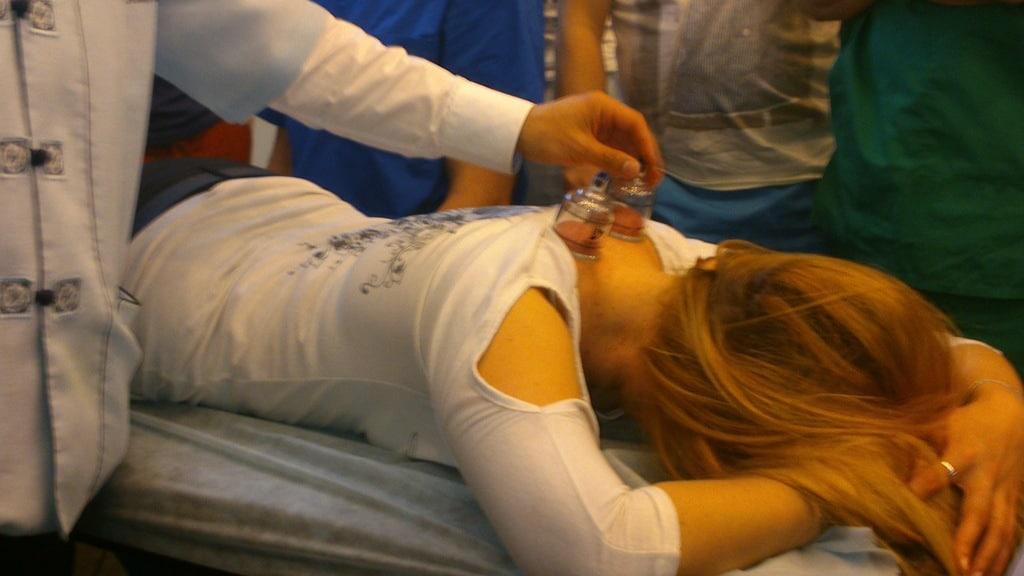 Корейский точечно-рефлекторный массаж с прогреванием МОКСАМИ. 2000 ₽ 1700  ₽ (60мин.)